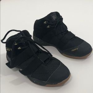 And1 Kids basketball sneakers size 6